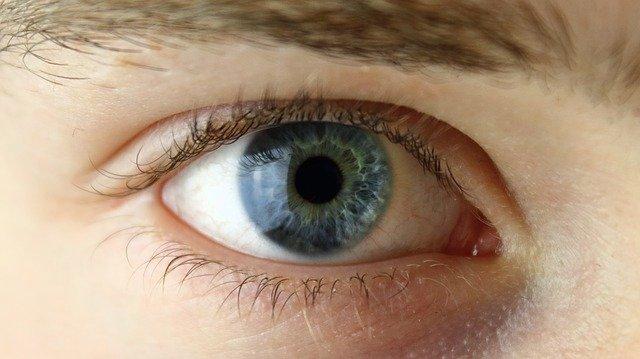 Barevné kontaktní čočky nedioptrické